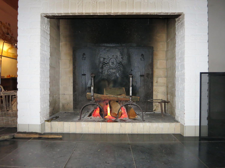 Buren, Países Bajos: Placa chimenea de origen https://www.placa-de-chimenea.es