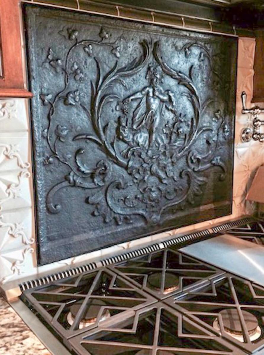Fremont, California: Placa chimenea como un protector contra salpicaduras encima de la estufa  de origen https://www.placa-de-chimenea.es